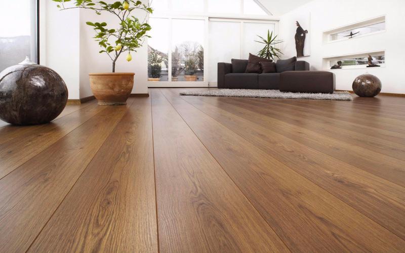En la carpintería Madecor empleamos la mejor calidad en tus suelos de parquet, somos tu carpintería Elche
