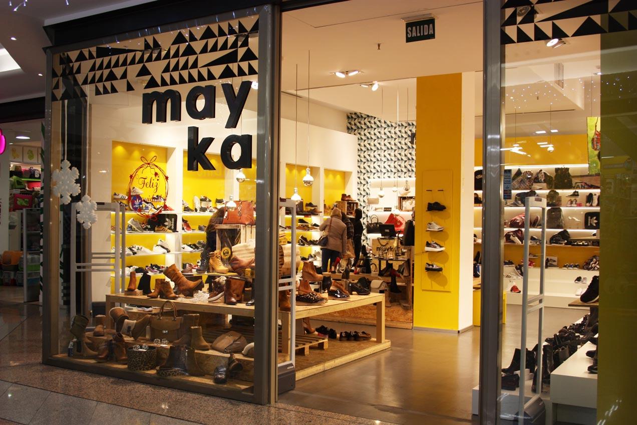 Carpintería para empresas Elche. Tienda Mayka realizada por la carpintería Madecor en el C.C Aljub de Elche