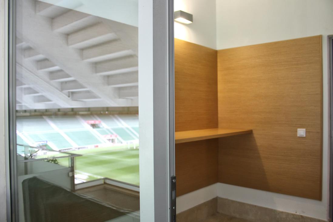 En la carpintería Madecor hemos realizado el equipamiento íntegro de los palcos y el restaurante del Estádio Martínez Valero