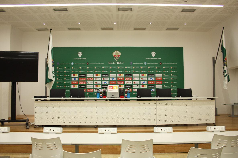 Sala de prensa del estadio mart nez valero madecor for Sala de pranza